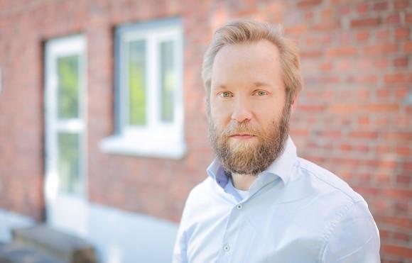JukkaAhvonen_Ravistaja